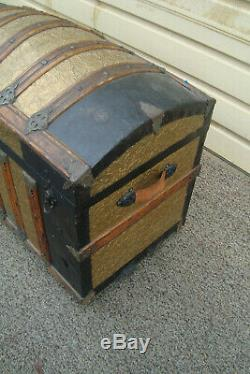 60245 Antique Dome Top Trunk Storage Chest