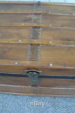60540 Antique RESTORED Blanket Storage Trunk Chest With Tray
