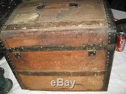 ANTIQUE COUNTRY PRIMITIVE SMALL 1880's WOOD TRUNK with LOCK & HARDWARE FOLK TABLE