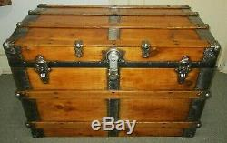 ANTIQUE STEAMER TRUNK LARGE CLEAN VINTAGE VICTORIAN FLAT TOP CHEST WithKEY C1895
