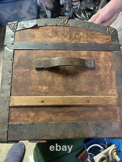 ANTIQUE VICTORIAN STEAMER STAGECOACH WOOD TRUNK BRIDAL CHEST with TRAY UPHOLSTERY