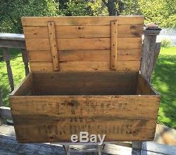 Antique CS Stearns Shoe Co Advertising Shipping Wood Trunk Crate Box Hinged Lid
