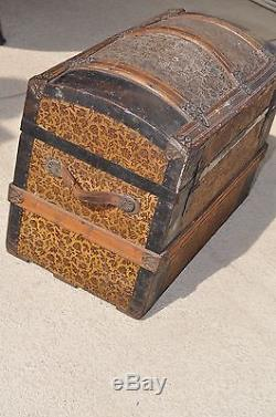 Antique, Dome Top Tin / Wood Ornate Steamer Trunk (Late 1800, s Victorian)