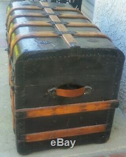 Antique Steamer TRUNK Flat Top With Bent Oak WOOD Make A Great COFFEE TABLE