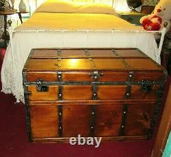 Antique Steamer Trunk Large Vintage Flat Top Stagecoach Chest Great Coffee Table