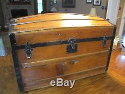 Antique Steamer Trunk. Vintage Camel Dome Wood humpback Chest great condition