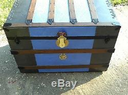 BlackDog Steamer Stagecoach Trunk Flat Top Wooden Victorian Wood 1800 Chest