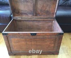 Brown Newport Old Fashioned Wood Storage Trunk Wooden Chest Large Size