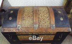Old Antique LARGE Victorian HUMPBACK Ornate Tin & Wood STEAMER TRUNK Chest