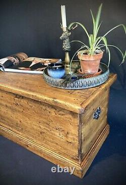 Old PINE CHEST, Blanket TRUNK, Coffee TABLE, Vintage Storage BOX
