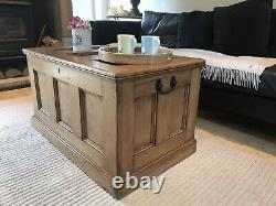 Old PINE CHEST, Wooden Blanket TRUNK, Coffee TABLE, Vintage Storage BOX, Rustic