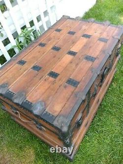 Steamer trunk Old wood trunk French steamer trunk 1900s