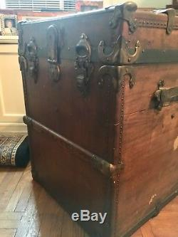 VINTAGE HAT TRUNK Original Interior Tray Refinished and cleaned