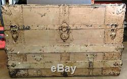 VINTAGE STEAMER STORAGE TRUNK w WOOD & METAL ACCENTS very weathered patina