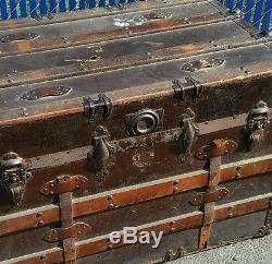 Vintage Antique Flat Top Steamer Trunk Chest Wooden Slat Steampunk Coffee  Table