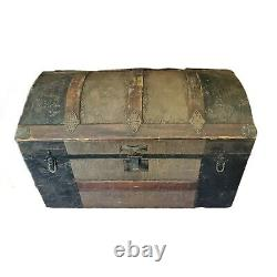 Vintage Antique Victorian Dome Camel With Tray Top Steamer Chest Trunk Floral