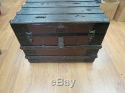 Vintage WOOD STEAMER TRUNK chest coffee table storage box brown antique crate C